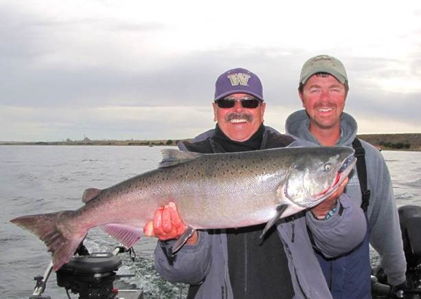 Popular Fall Fishing for Upriver Bright Chinook in the Hanford Reach